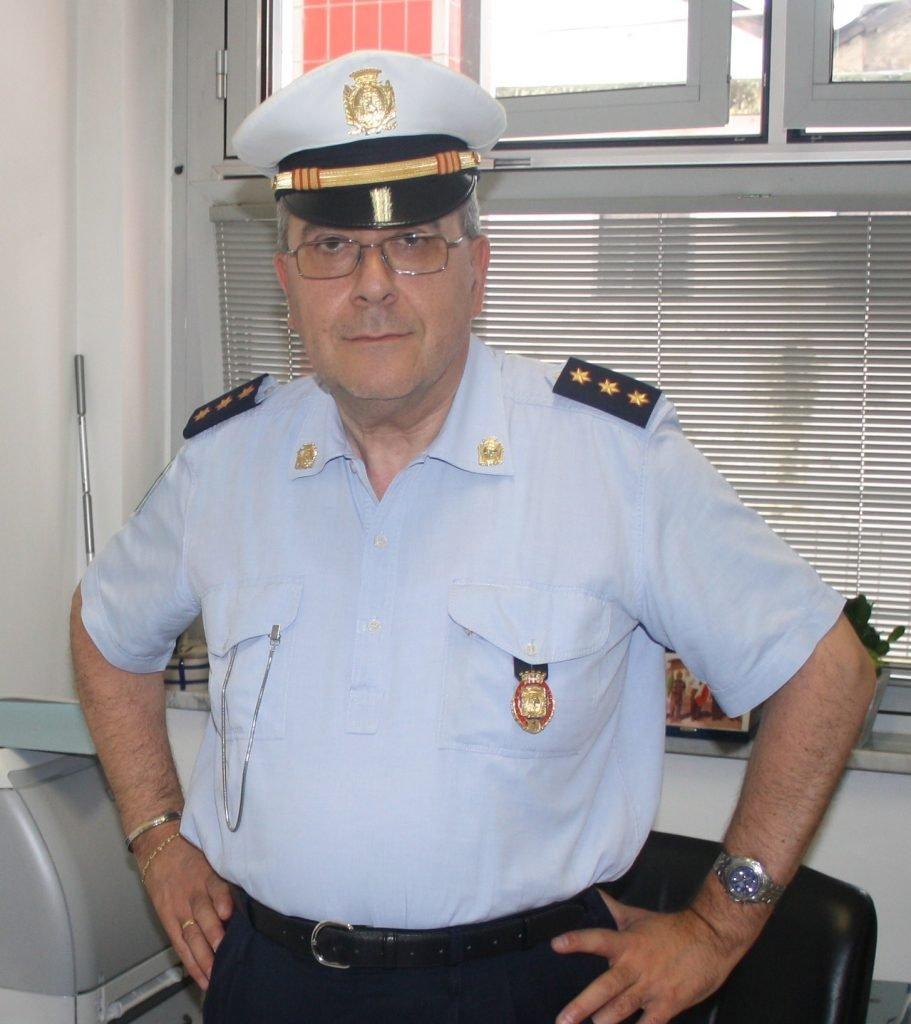 Questa immagine ha l'attributo alt vuoto; il nome del file è Comandante-Polizia-mun.Carignano-Doriano-Reburdo-911x1024.jpg